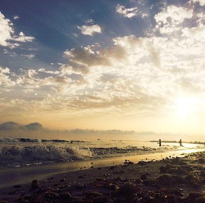 Il mare impetuoso al tramonto di dartwell