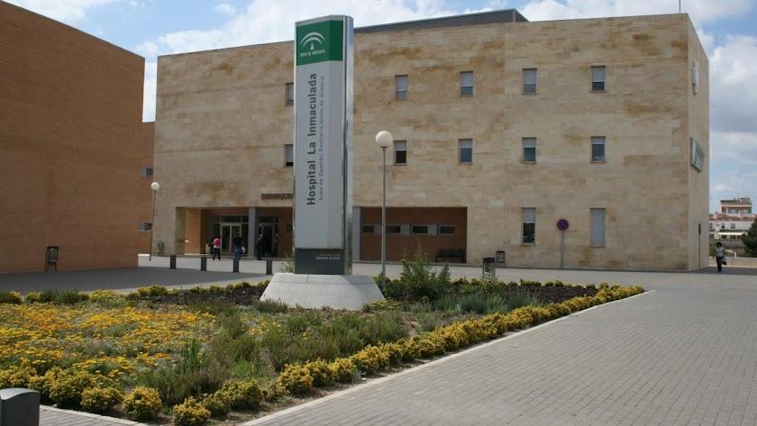 La mujer ha dado a luz en el Hospital La Inmaculada de Huércal-Overa.