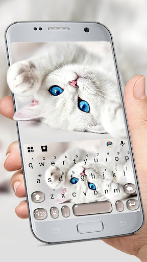 Innocent Cute Cat Keyboard Theme ss1