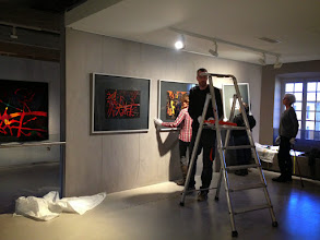 Photo: Installation œuvres picturales