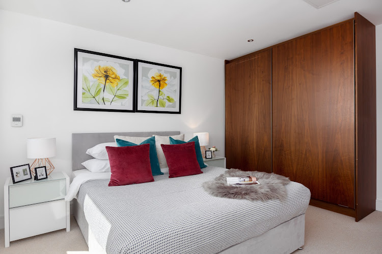Master bedroom at Lincoln Plaza Serviced Apartments, Canary Wharf, London