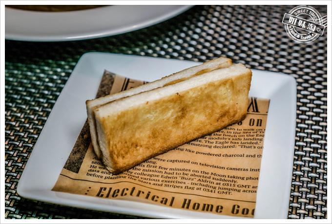 etage 15 高空餐廳洋蔥湯麵包