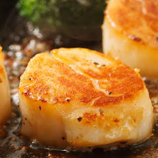 Easy Broiled Scallops.