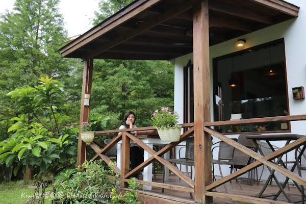 三義山城裡的童話屋向陽民宿、隱藏秘境漫時光咖啡喝咖啡
