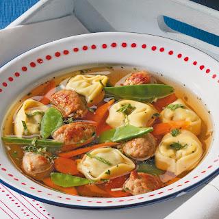 Tortellini-Suppe mit Mini-Klößchen