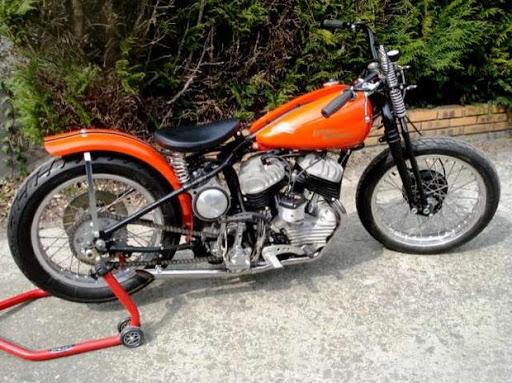 Côté droit de la Harley Davidson restaurée par Machines et Moteurs