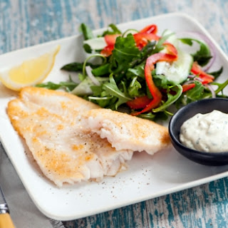 Fish Fillets with Green Salad Recipe