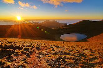 Photo: 凌晨一點起床,五點到達嘉明湖,觀賞無敵日出大景,辛苦一切都很值得。