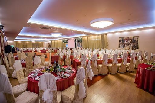 Банкетный зал «Зал «Боярский» » для свадьбы на природе