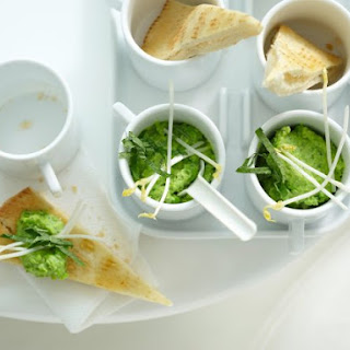Pita Triangles with Pea Dip