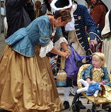 Photo: Viele Zuschauer haben sich dem Ereignis entsprechend gekleidet.