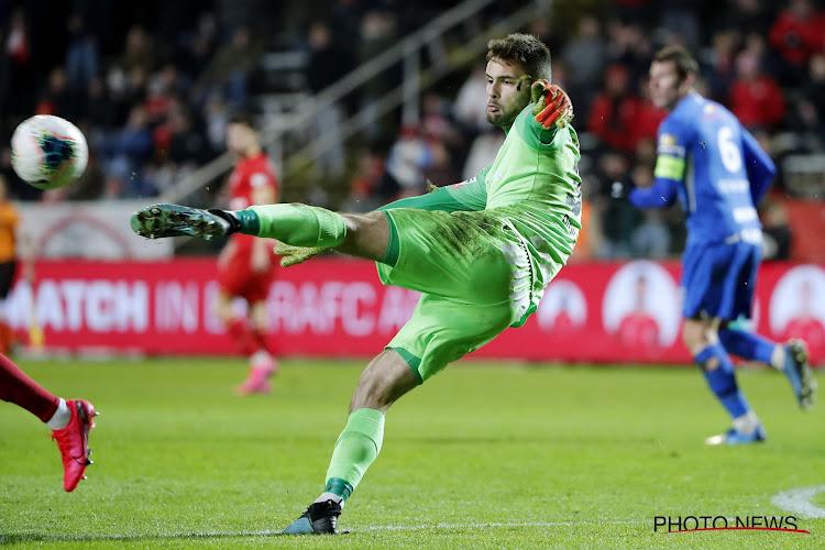 """Heeft Anderlecht Genk een serieuze dienst bewezen: """"Hij straalt de rust uit die de verdediging kan gebruiken"""""""