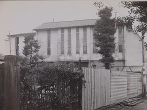 Photo: 二階に礼拝堂を構えた教会堂の北面。