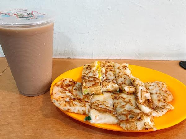 傳統飯糰特製蛋餅專賣店,現點現做濃濃古早味粉漿起司蛋餅,排隊也願意