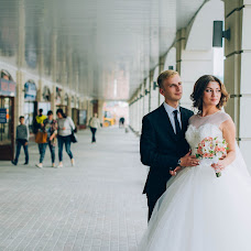 Wedding photographer Elena Gankevich (GanLena300877). Photo of 08.11.2015