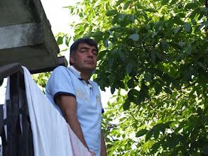 Photo: Claudio, waschechter Römer, macht sich gut als stolzer Hausherr. [Foto: Sofia Rastelli]