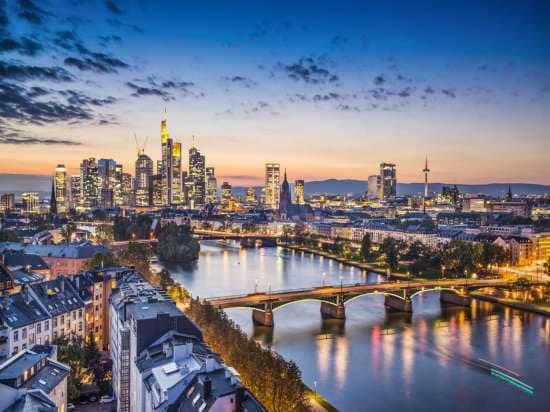 2. Frankfurt , thành phố của văn hào Johann Wolfgang von Goethe