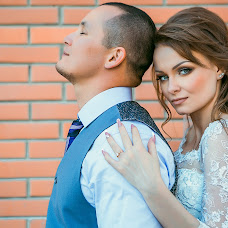 Wedding photographer Valeriya Karatunova (ValeriaV). Photo of 17.10.2015