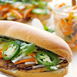 Vietnamese Chicken Sandwich with Pickled Vegetables (Bánh Mì)