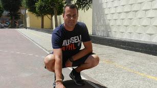 Rodrigo Fernández, profesor que ha impulsado la iniciativa en el colegio ejidense.
