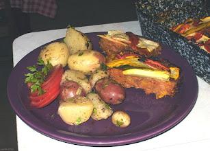 Photo: Cukinia zapiekana z mielonym mięsem i pomidorami (podana z młodymi ziemniakami) 29