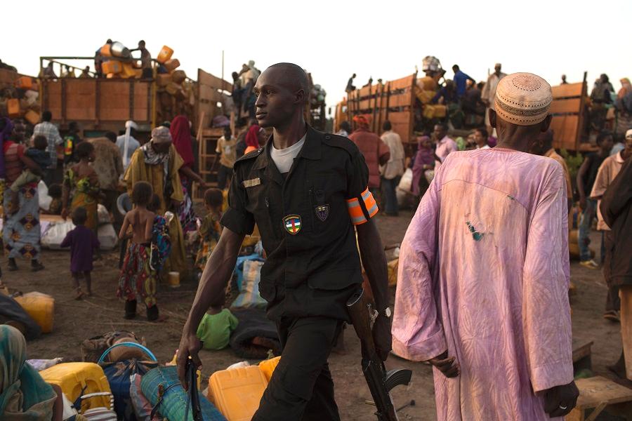 Vlugtelinge op pad terug na Sentraal-Afrikaanse Republiek met versigtige hoop