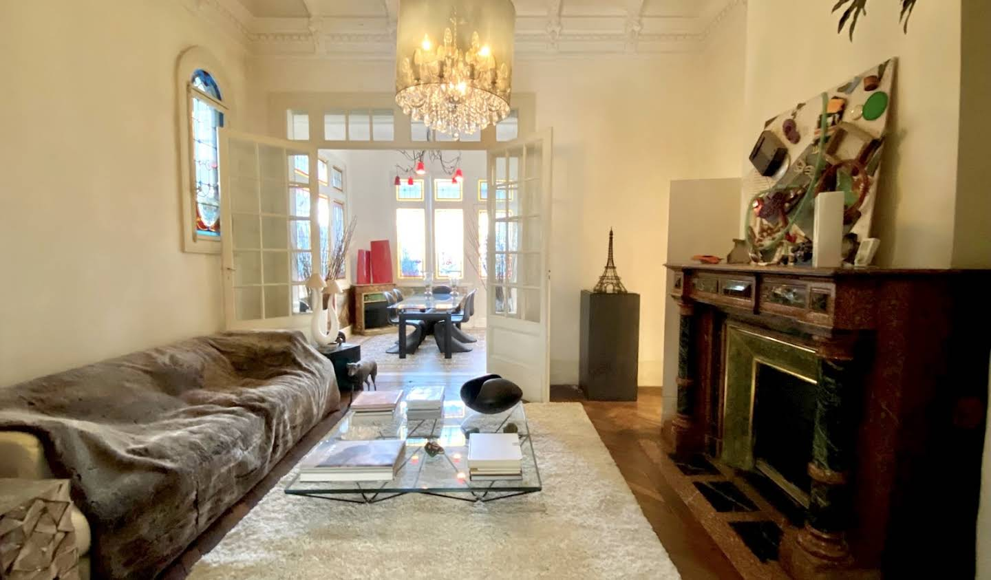 Private mansion with garden and reception room Bordeaux