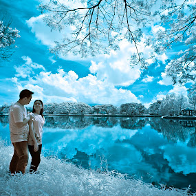 Lakeshore Pre Wed Infrared by Ruel Tafalla - People Couples