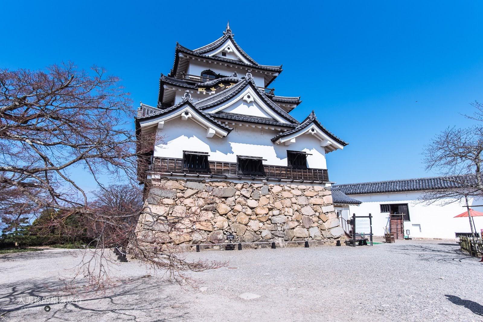 彥根城又名「金龜城」,是滋賀縣最主要的日本百大名城之一。
