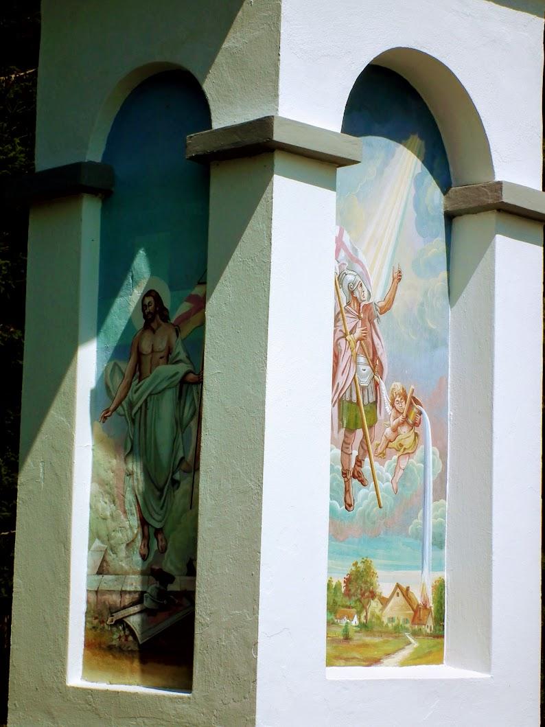 Bogojina (Bagonya) - znamenje pod cerkvijo (képoszlop a templom előtti útkereszteződésben)