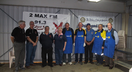 Among those helping out at the forum were 2MAX FM members Jeff Cloake, Anthony Welchman, Frank Crump, Neila Bourke and Rotary members Wayne Wheeler, Bruce Pyke, Ian Bailey, Wayne Madden and Rob Walker.
