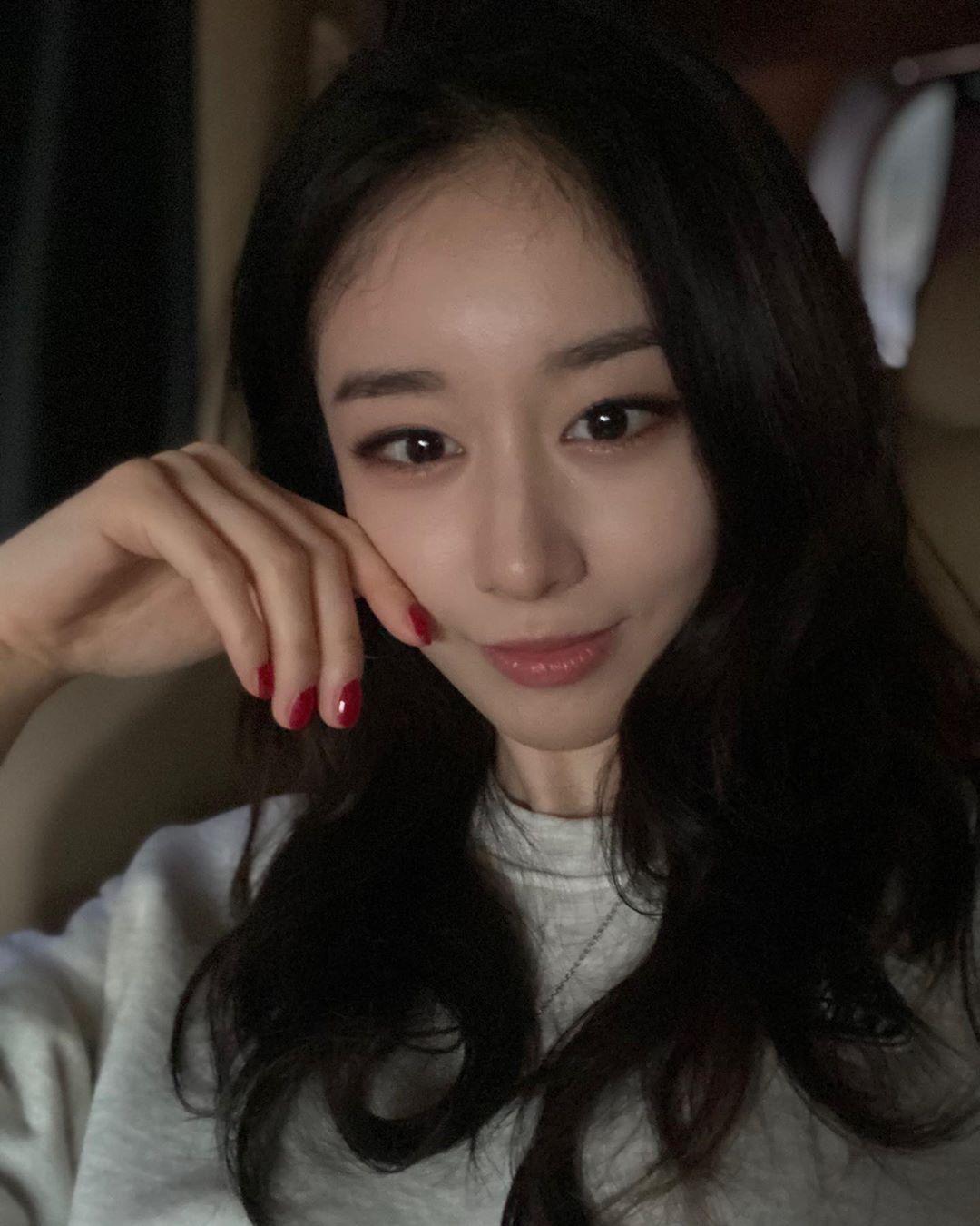 jiyeon2__ - CAm19kZj4BC