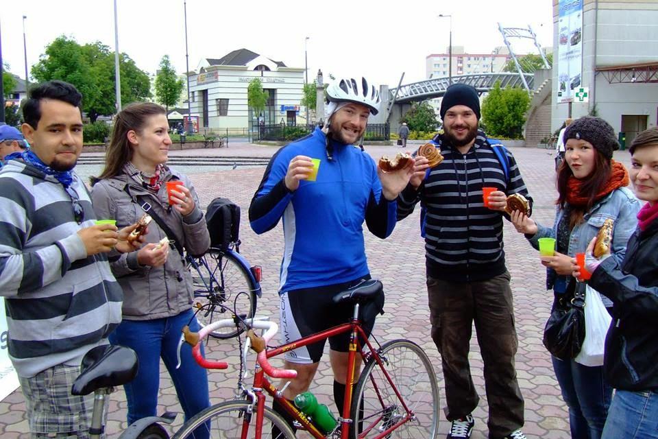 Biker's breakfast (photo: Magyar Kerékpárosklub)