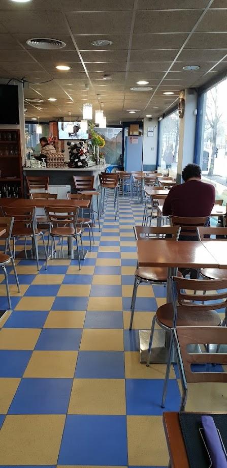 Foto Restaurant Marisquería Freiduría la Maquinista 1