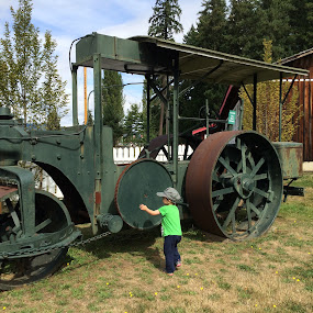 Kids and old tractors by Pam Blackstone - Babies & Children Children Candids ( child, old tractor, little boy, antique tractor, steam tractor, tractor,  )