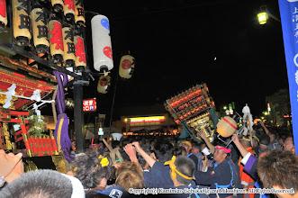 Photo: 【平成21年(2009) 本宮】  本町の神輿と再び神輿のもみ合い。