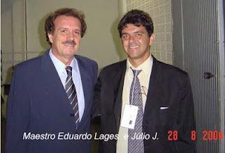 Photo: Júlio J. e o Maestro Eduardo Lages, em 28/08/2004 no Show do Rei Roberto Carlos em Brasília