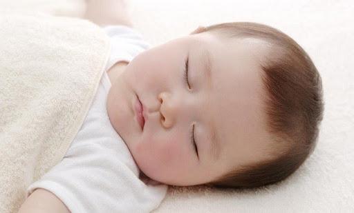 Những nguyên nhân chính làm tóc rụng ở trẻ em