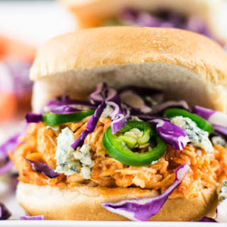 Easy Slow Cooker Buffalo Chicken Sliders