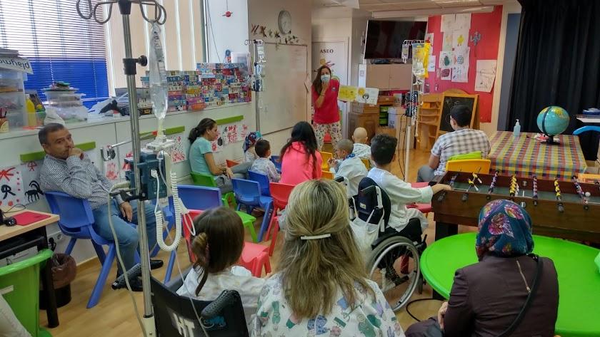 Pediatría le ha dado la bienvenida a la Navidad con diversas actuaciones.