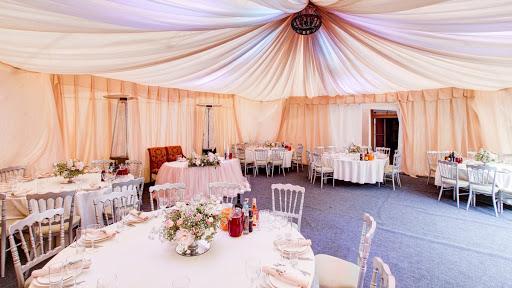 Летний шатер в ресторане Садовое кольцо для свадьбы 2