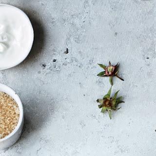Cardamom Crème Fraîche Dip.