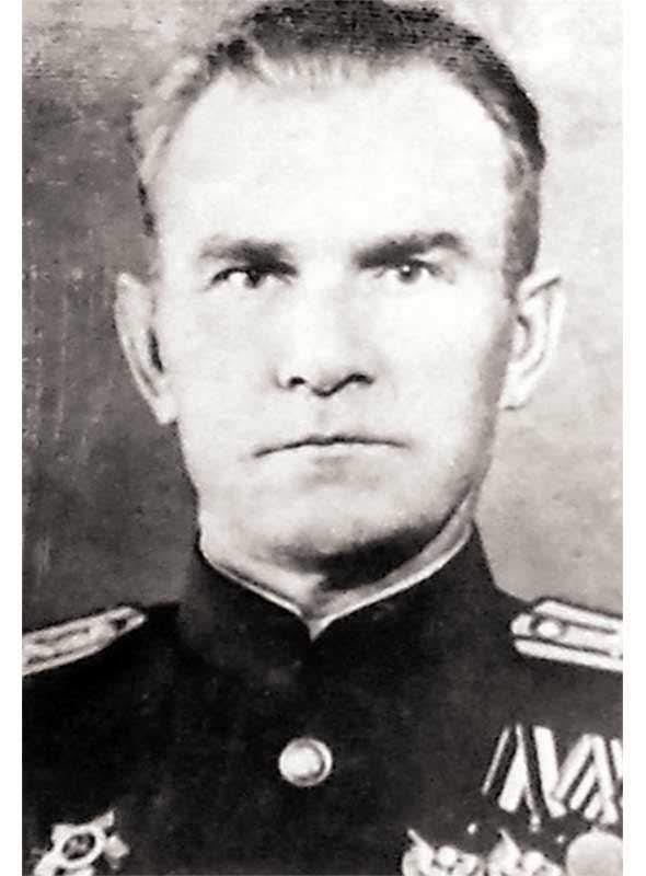 Абузин Б.Н. - командир 400ап 133 сд