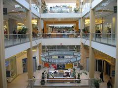 Visiter Queens Center Mall