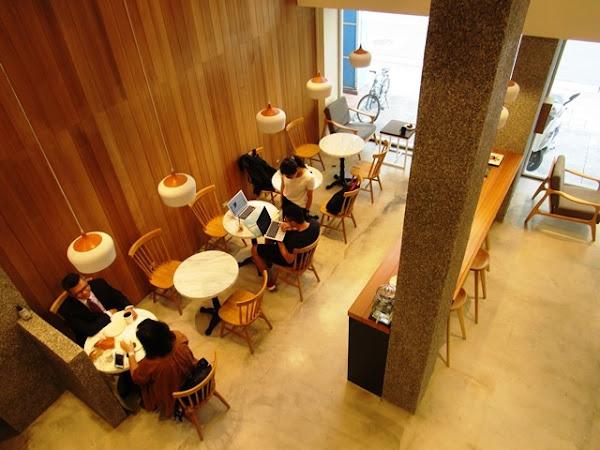 木質清新質感的麵包咖啡烘焙坊~REEDS coffee & bakery