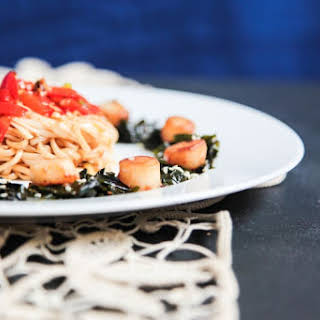 Quick and Easy Scallops with Asian Noodles and Seaweed Salad.