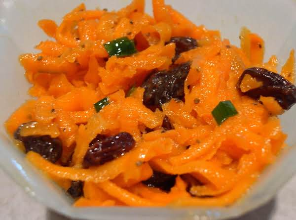 Carrot Salad With Walnut,honey,lemon Dressing Recipe