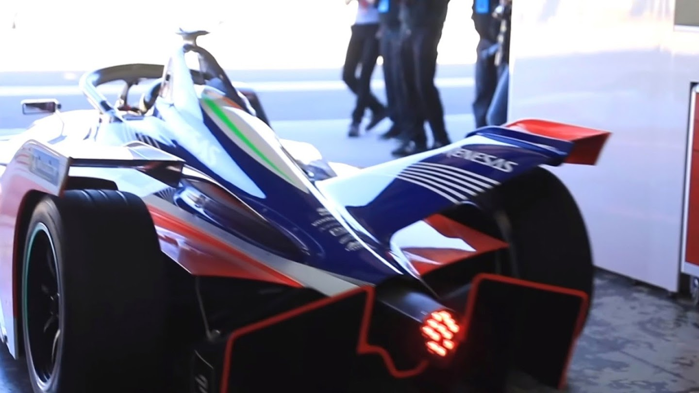 Watch Formula E: Race to the Future live