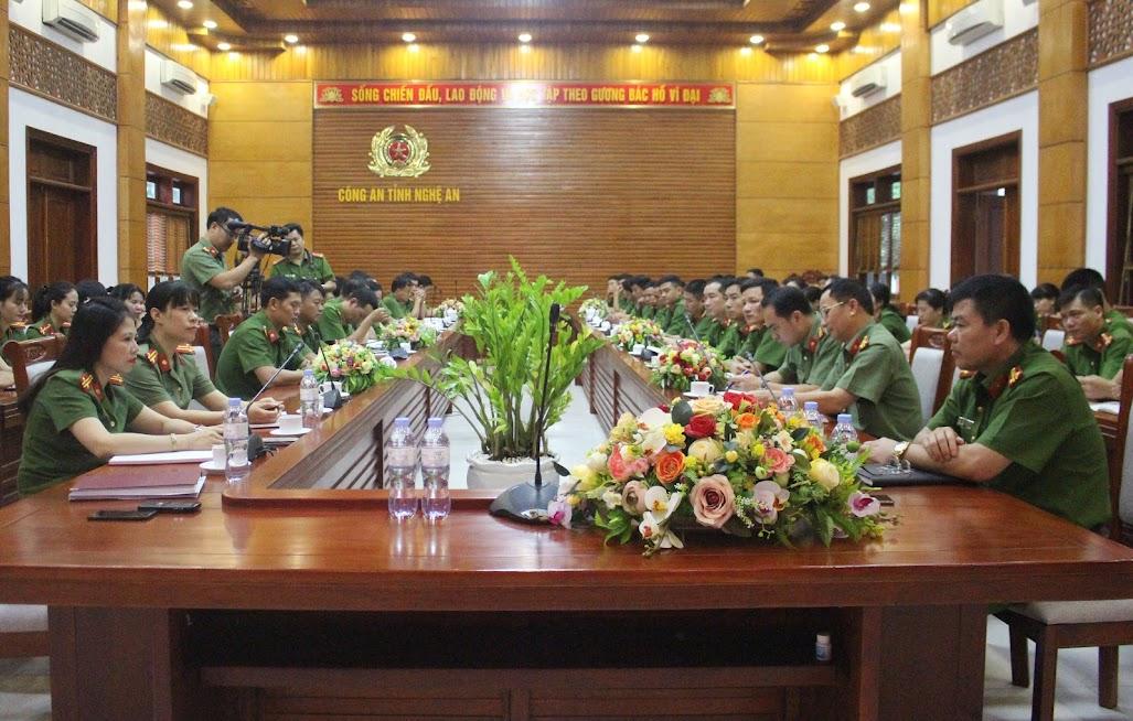 Lãnh đạo đơn vị quán triệt về một số nội dung liên quan công tác CCHC