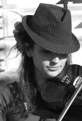 Suonando il violino............ di roxelle
